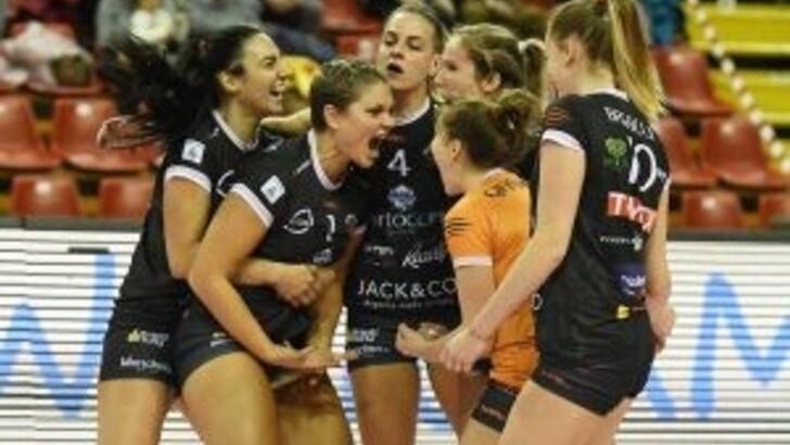 Volley: A2 Femminile, per Perugia tre punti d'oro in chiave salvezza