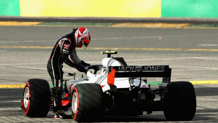 F1 Australia, fuori Magnussen e Grosjean dopo i pit stop