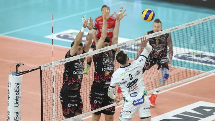 Volley: Superlega, Semifinali Play Off, Gara 1 è di Perugia