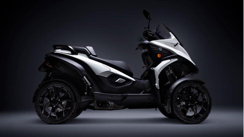 Un po' auto, un po' scooter: ecco la soluzione a quattro ruote per affrontare l'asfalto difficile delle grandi città