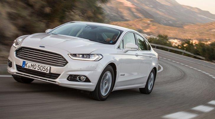 Ford Mondeo Hybrid Vignale: prova su strada