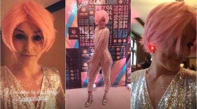 Beneficenza e party anni '70, Lindsey Vonn in pista con la parrucca rosa