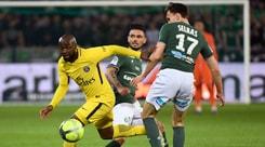 Ligue 1, un'autorete di Debuchy salva il Psg a Saint-Étienne