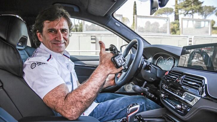 Bmw M5: in pista con la nuova super berlina di Zanardi