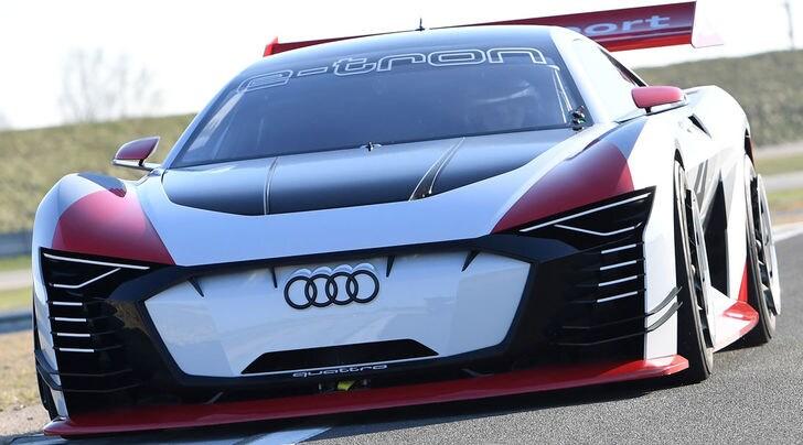 Audi e-tron Vision Gran Turismo, futuro elettrico da corsa