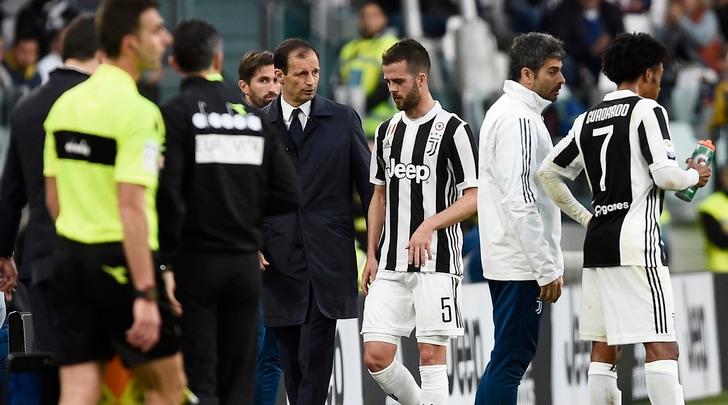 Allegri: «Grazie Pjanic, senza l'infortunio non avrei inserito Douglas Costa»
