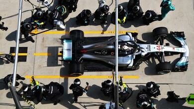 F1 Cina, Hamilton: «Grato a Verstappen per il suo modo di guidare»
