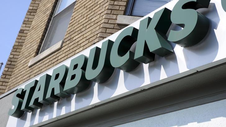 Neri arrestati da Starbucks, proteste