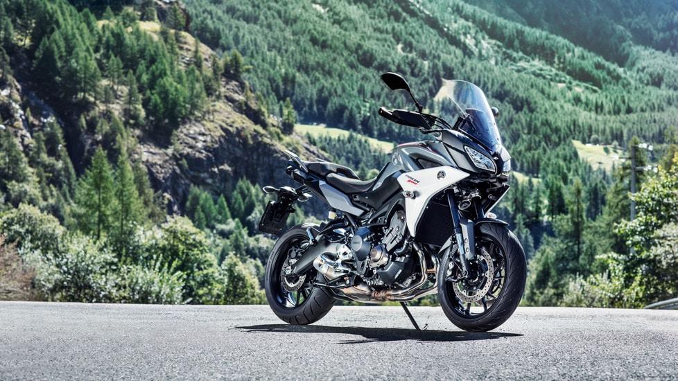Declinato in due differenti versioni, standard e GT, il crossover giapponese si candida a mezzo ideale per chi cerca il massimo della polivalenza senza rinunciare alle prestazioni.