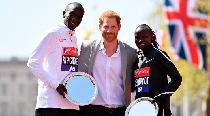 Maratona Londra: vittorie per Kipchoge e Cheruiyot