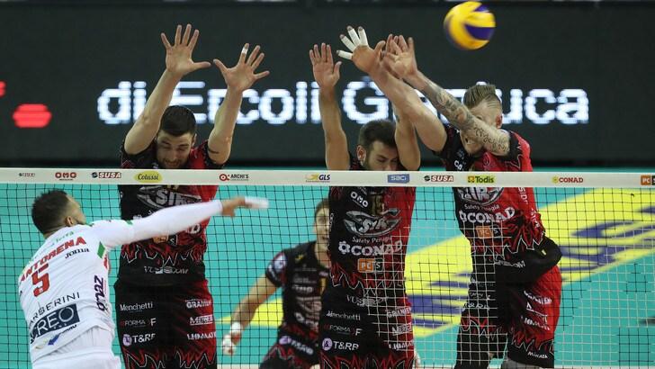Volley: Finale Play Off: Perugia vince Gara 1 davanti al suo pubblico