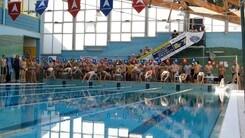 """Sport, passione e solidarietà con """"12 ore Nuotando con Amore"""""""