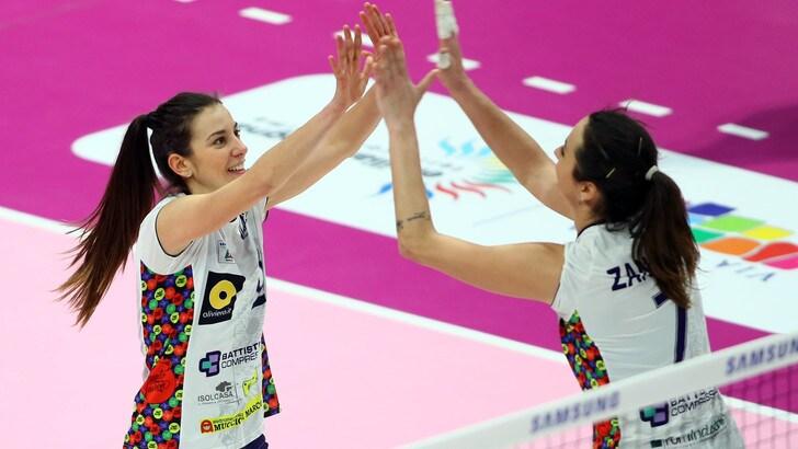 Volley: A2 Femminile, Semifinali Play Off: Chieri corsara, Battistelli travolge Orvieto