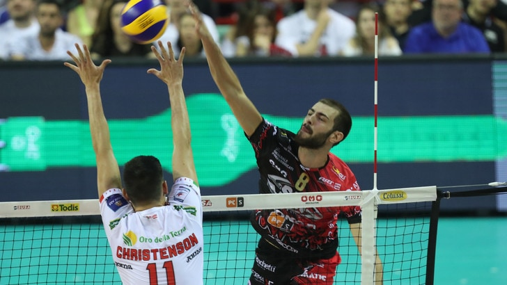 Volley: Finale Scudetto, Gara 3 è di Perugia
