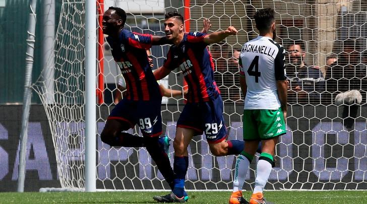 Serie A, Crotone-Sassuolo 4-1: tre punti per la salvezza
