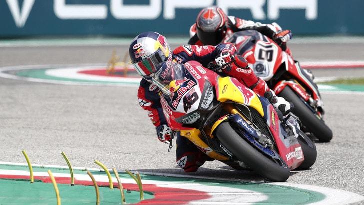 Superbike Imola: Rea vince anche Gara 2, Melandri travolto da van der Mark