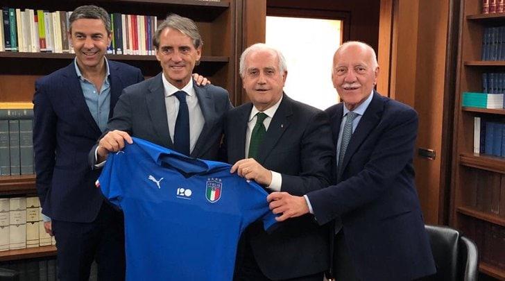 Ufficiale, Mancini ha firmato: è il nuovo ct dell'Italia