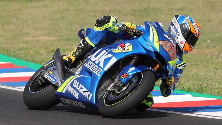 MotoGp, Rins e Suzuki insieme per altri due anni