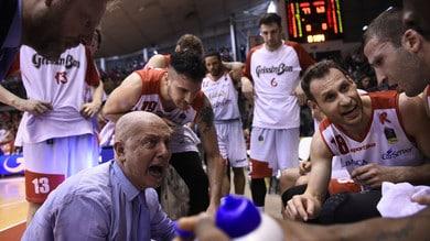Basket Serie A, Menetti lascia la panchina di Reggio Emilia