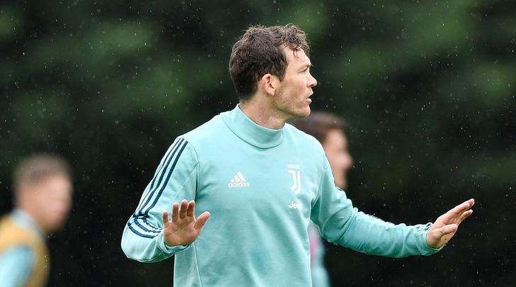 Juventus Lichsteiner fa dietrofront Non vado al Borussia Dortmund