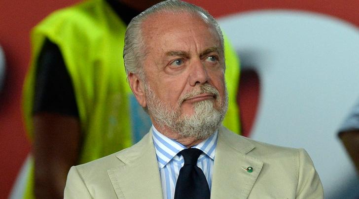 Napoli, De Laurentiis ufficializza l'addio di Sarri: «Ci hai regalato emozioni»