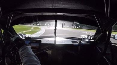 Brabham BT62, la supercar australiana in pista
