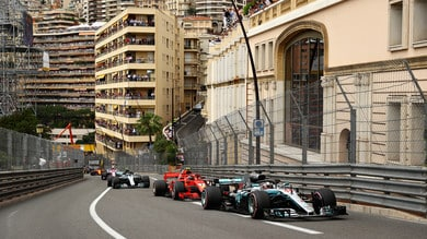 F1 Monaco: Ricciardo difende la prima posizione, Vettel insegue