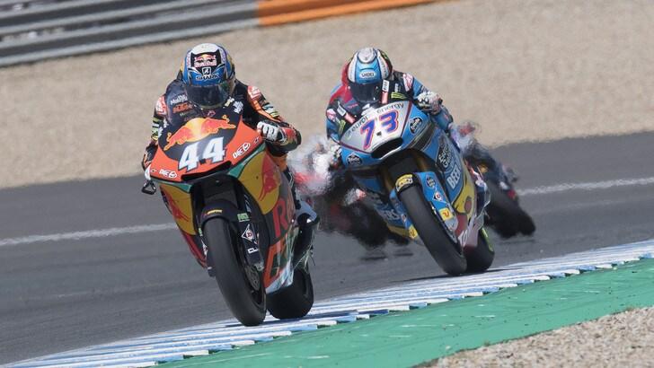 Moto2 Italia, Oliveira vince davanti a Baldassarri