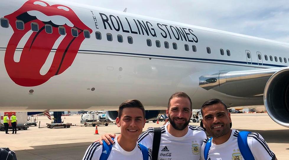 La foto direttamente dalla pista dove la nazionale sudamericana è partita alla volta della Russia dove parteciperà ai Mondiali 2018