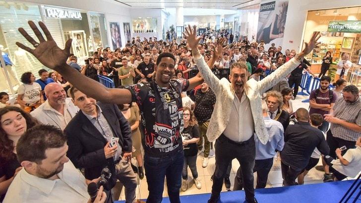 Volley: Superlega, Perugia impazzita per l'arrivo di Leon
