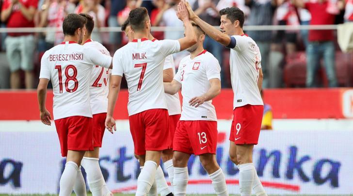 Polonia-Lituania 4-0: doppietta di Lewandowski. Szczesny a riposo per un tempo
