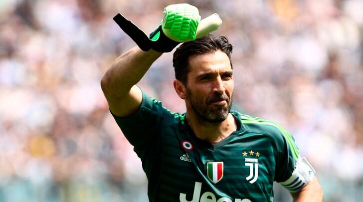 Psg, si avvicina l'annuncio di Buffon. E piace Alex Sandro
