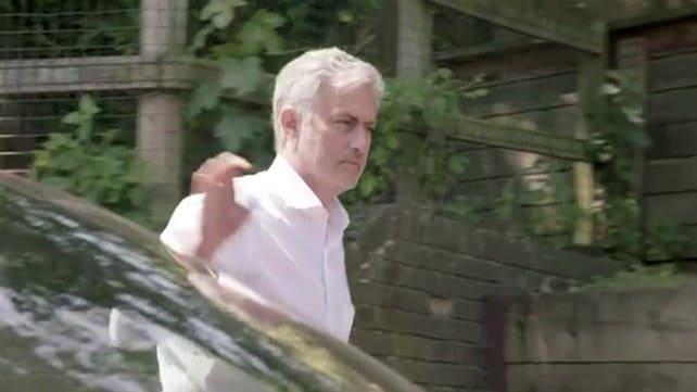 Jaguar porta José Mourinho a scuola