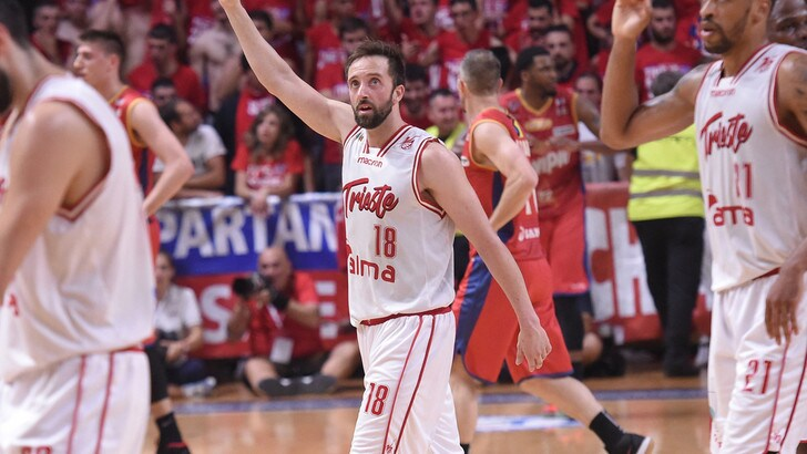 Cavaliero annichilisce Casale: Trieste torna in Serie A
