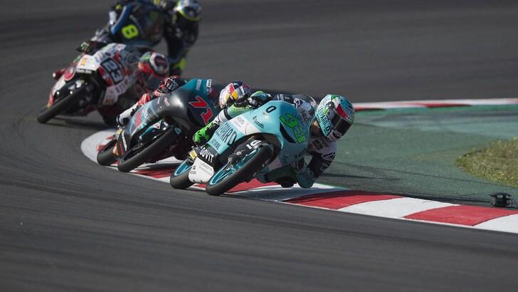 Moto3 Catalogna: vince Bastianini, secondo Bezzecchi