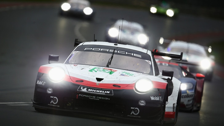 24 Ore Le Mans, Toyota ancora in testa: Alonso è primo