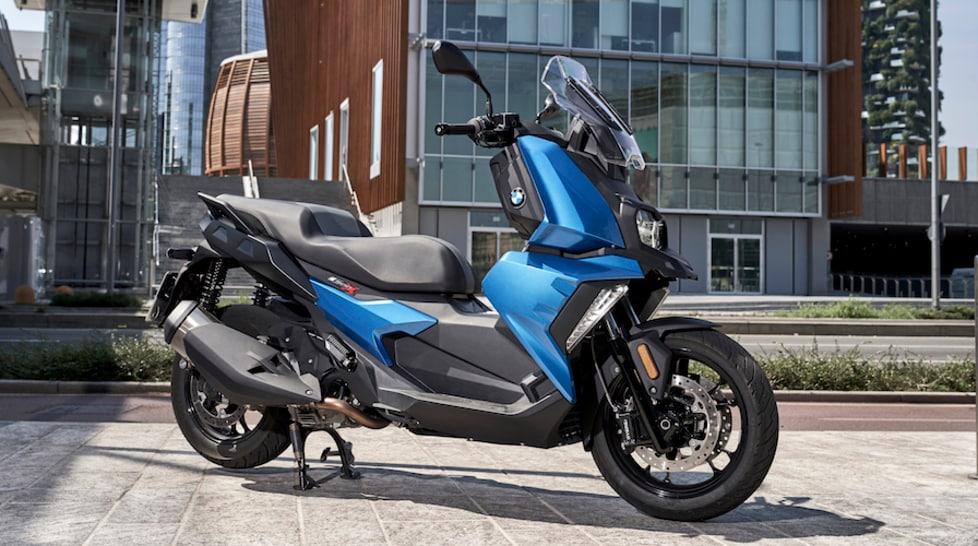 Abbiamo provato il nuovo scooter della Casa dell'Elica sulle strade a nord di Milano. Un mezzo pratico in città capace di divertire nelle gite fuori porta