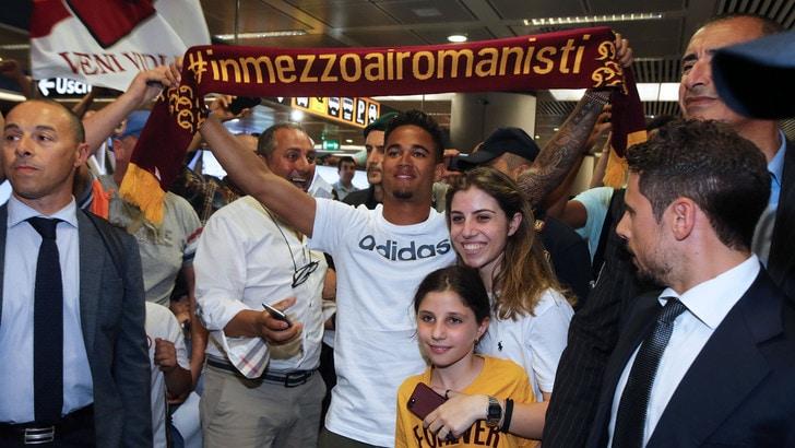 Calciomercato Roma, ufficiale l'ingaggio di Justin Kluivert
