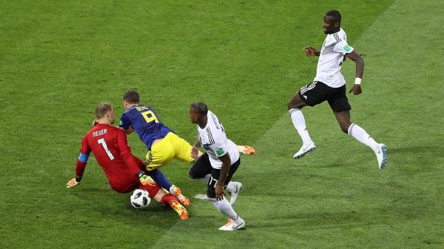 Germania-Svezia, il rigore non dato a Berg dopo il contatto con Rüdiger