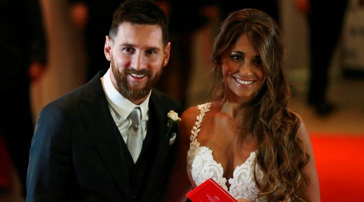 La moglie di Messi: «Auguri amore mio»