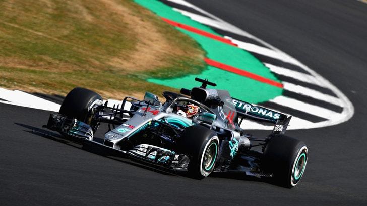 F1 Gran Bretagna, Libere 1: davanti c'è la Mercedes, Vettel è 3°