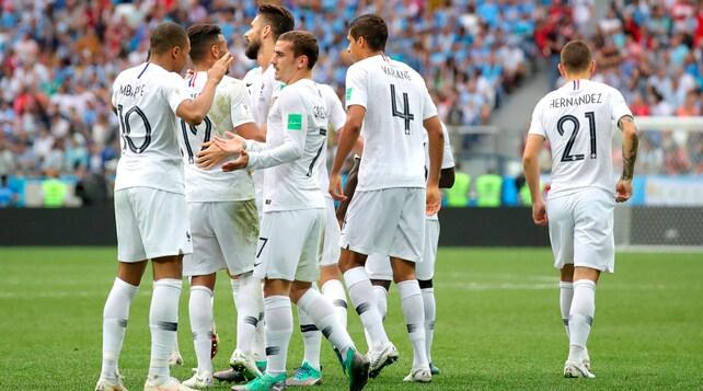 Uruguay-Francia 0-2: Bentancur saluta il Mondiale
