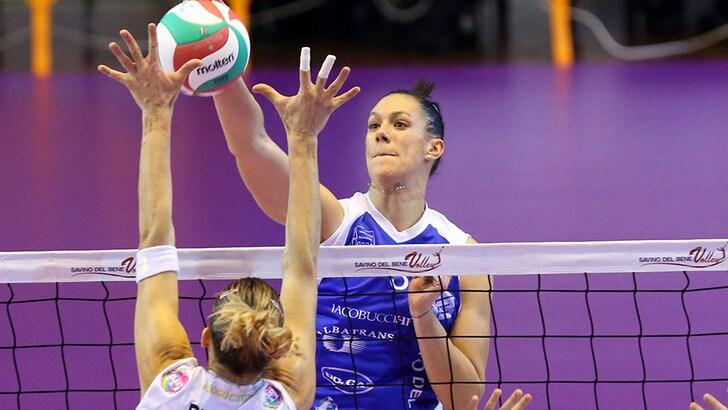 Volley A1 femminile - Ilaria Garzaro convinta dall'entusiasmo dei tifosi della Lardini