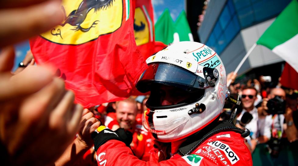Le immagini più belle del trionfo del pilota tedesco: Hamilton è secondo, Raikkonen terzo
