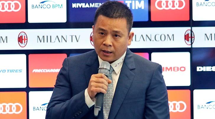 Milan, Yonghong Li attacca Elliott