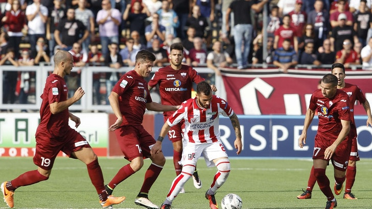 Calciomercato Reggina, ufficiale:arrivano Zivkov e Conson