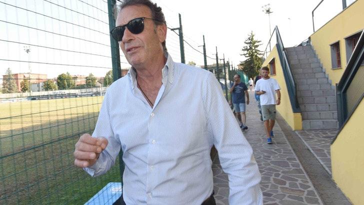 Calciomercato Brescia, presentato lo staff di Suazo
