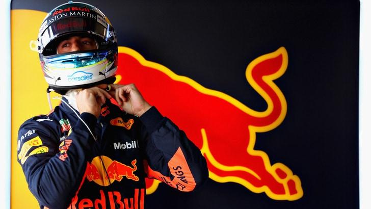 F1, Ricciardo: «Ferrari e Mercedes non cambieranno i loro piloti»