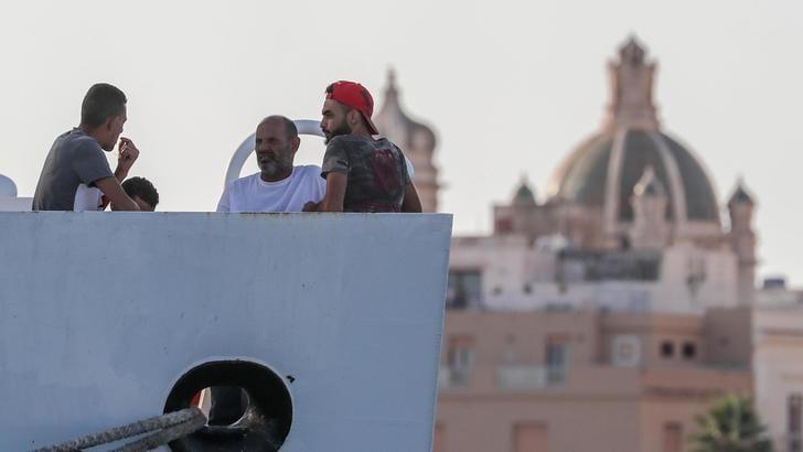 Vos Thalassa, 2 profughi indagati