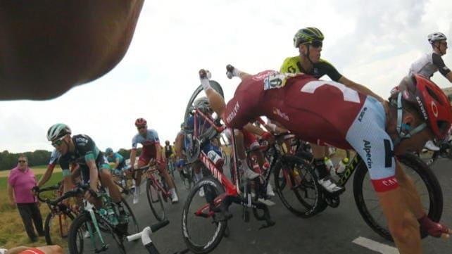 "Caduta al Tour, Daniel Martin perde 1'13"""